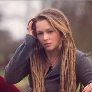 An Acoustic Christmas Party with Crystal Bowersox and Friends