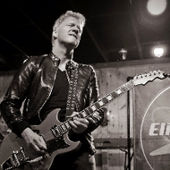 Eliot Lewis - Live at Daryl's House Club